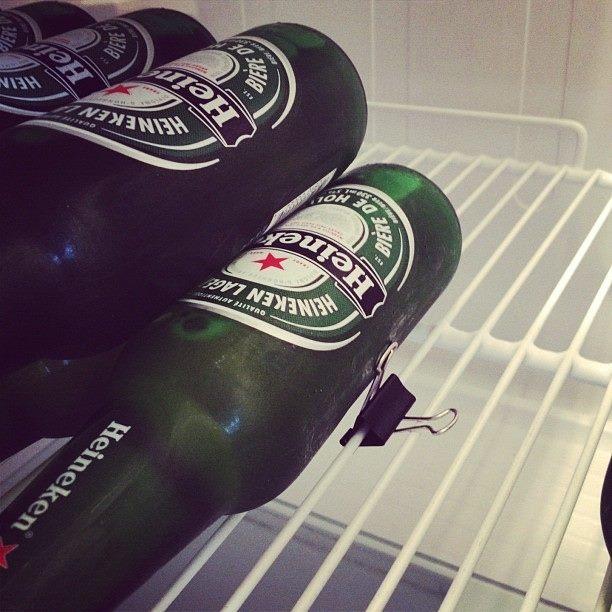 Mehr platz im Kühlschrank durch Klemmen